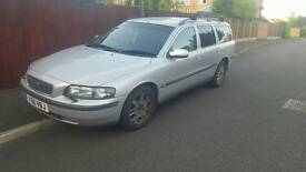 Volvo v70 2.4 low miles for the year