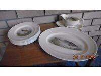 "Vintage WOODS IVORY WEAR serving set. Fishes pattern. 9"" starter plates plus Ashette & Sauce boat"