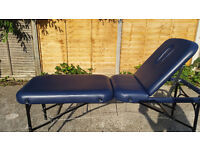 Affinity folding massage table suitable for beautician or masseuse - mobile folding beauty bed