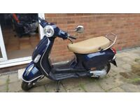 Vespa scooter 2014 125cc Twist & go