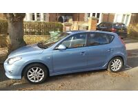 Hyundai i30 1.6 CRDi Comfort 5dr (Automatic) - Excellent state with very low mileage