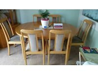 Dinning Room Table (extending) & 6 chairs