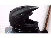 Sixsixone Launch Full Face Helmet Size XL Boxed/Unused