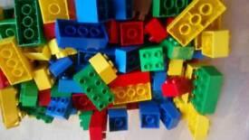 Kids building bricks