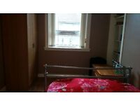 One bed room to Let in three bedroom House. (Student)