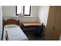 Large single/small Double room for rent in Isleworth/Twickenham.