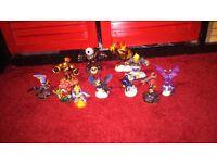 Skylanders figures bundle