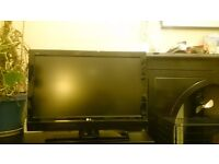 """37"""" LG Full HD TV with Remote"""