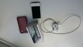 APPLE iPHONE 4s IN WHITE GOOD CONDITION ON ORANGE WITH ORIGINAL BOX