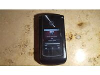 Motorola RAZR2 V8 (Linux,2GB,2MP)