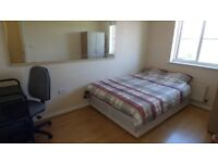 Double room to Let in Thamesmead- Available Now to MOVE IN- Zak
