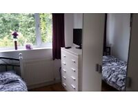 Room (large single) available in ARNOLD, fully furnished, £350 pcm. Negotiable.