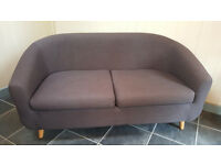 Two seater sofer in grey with beech legs - as new