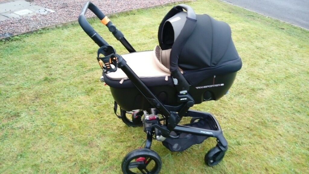 Jane Rider Strata Travel System With Transporter 2 And Car Seat Bases