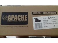 New Apache AP300 safety industrial footwear size 8. Steel toe capped and midsole steel