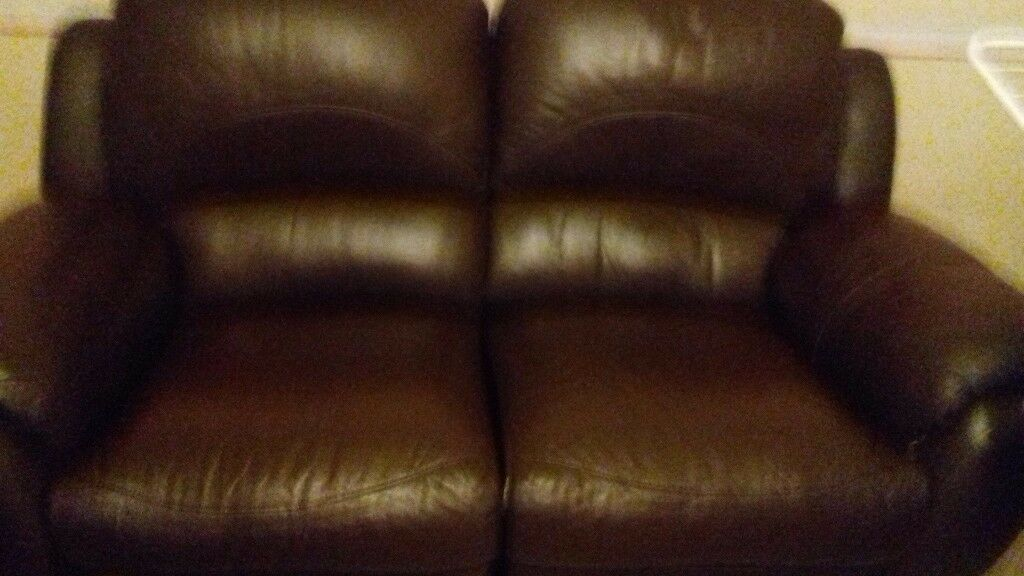 Brown leather 2 and 3 seater sofas