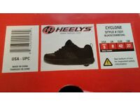 HEELYS - BLACK - UK 8 - WORN ONCE