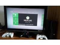 (Bargain!!) 250 GB XBOX 360 with a HUGE BUNDLE of 45!! BEST GAMES, such as GTA 5 and many others.