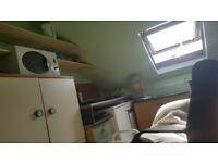 ENSUITE DOUBLE ROOM STUDIO TYPE NEAR HOUNSLOW TUBE STATION £575