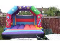 Balloon Bouncy Castle Complete with fan, stakes and waterproof extension lead