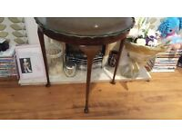 Vintage Retro Style Side Table Bedside Table Hall Table Pie Crust Queen Anne Style Legs