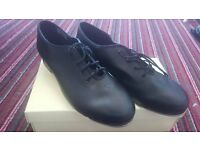 New and Unused Bloch Student Tap & Jazz Shoes Size 7