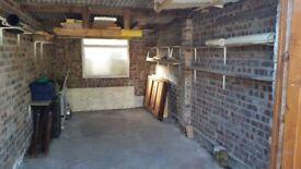 LARGE SINGLE GARAGE available for storage   Heworth, York (YO31)