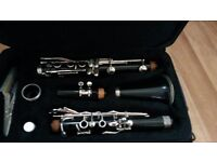"""Bflat (Bb) Buffet rampon """"Evette"""" Clarinet with new reeds in gig case prefect for beginner."""