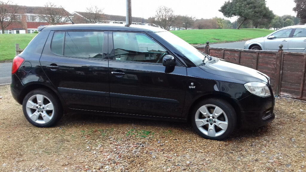skoda fabia 1 9tdi sports 2008 black metallic low mileage excellent condition in. Black Bedroom Furniture Sets. Home Design Ideas