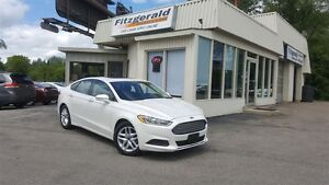 2013 Ford Fusion SE - SUNROOF! HEATED SEATS!