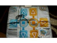 Wii family trainer mat and game