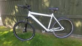"""Specialized ROCKHOPPER mountain bike 26"""" wheels Rockshox Hydraulic Disc Brakes"""