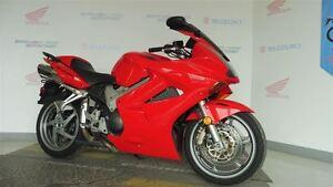 2005 honda VFR800FF -