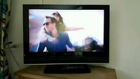 Lcd 32 Inch TV with sound bar .