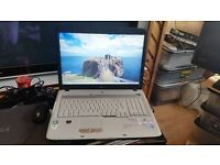 acer aspire 7520 windows 7 4g memory 300g hard drive wifi dvd drive battery holds a good charge