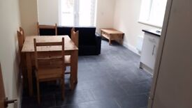 2 Bedroom Flat - City Road, Roath, Cardiff [Summer Rent Also Available]