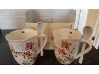 2 ceramic hot choclolate cups