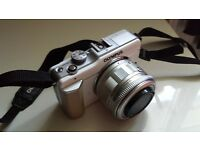 Olympus Pen EP-L 1 DSLR Camera (NO TIME WASTERS)