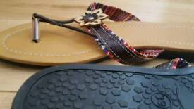 Brand NEW! Flipflops UK8.5 /EU39