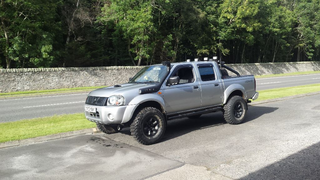 lifted nissan navara d22 off road ready 4x4 mini monster. Black Bedroom Furniture Sets. Home Design Ideas
