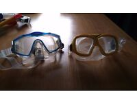 Snorkles and goggles