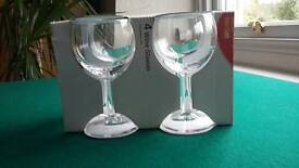 16 Paris goblets