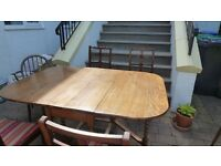 Classic Dining Table and Chairs!!