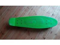 penny board/skateboard lime colour