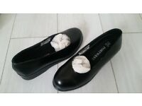 Ladies safety shoes size 7