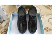 School shoes term size 11