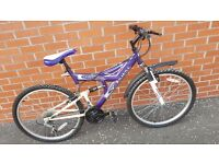 """Universal mens mountain bike. 17"""" frame, 15 gears. Needs a wee clean but ok for run around."""