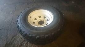 Nobbly tyre