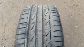 Bridgestone run flat 225/40/19 x 1