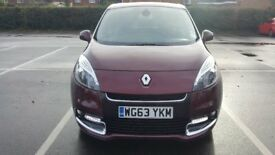 2013 63 Renault scenic Dynamic Tomtom 1.5 Diesel Auto MPV In Metallic Red